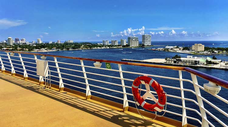 cruise boarding day checklist